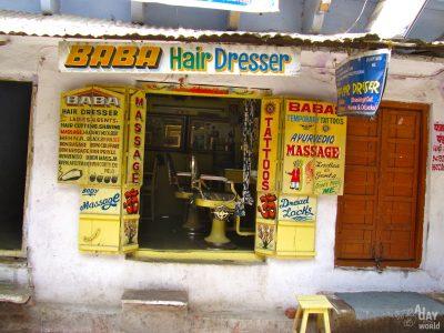 Vénus Beauté chez Baba hair dresser à Pushkar