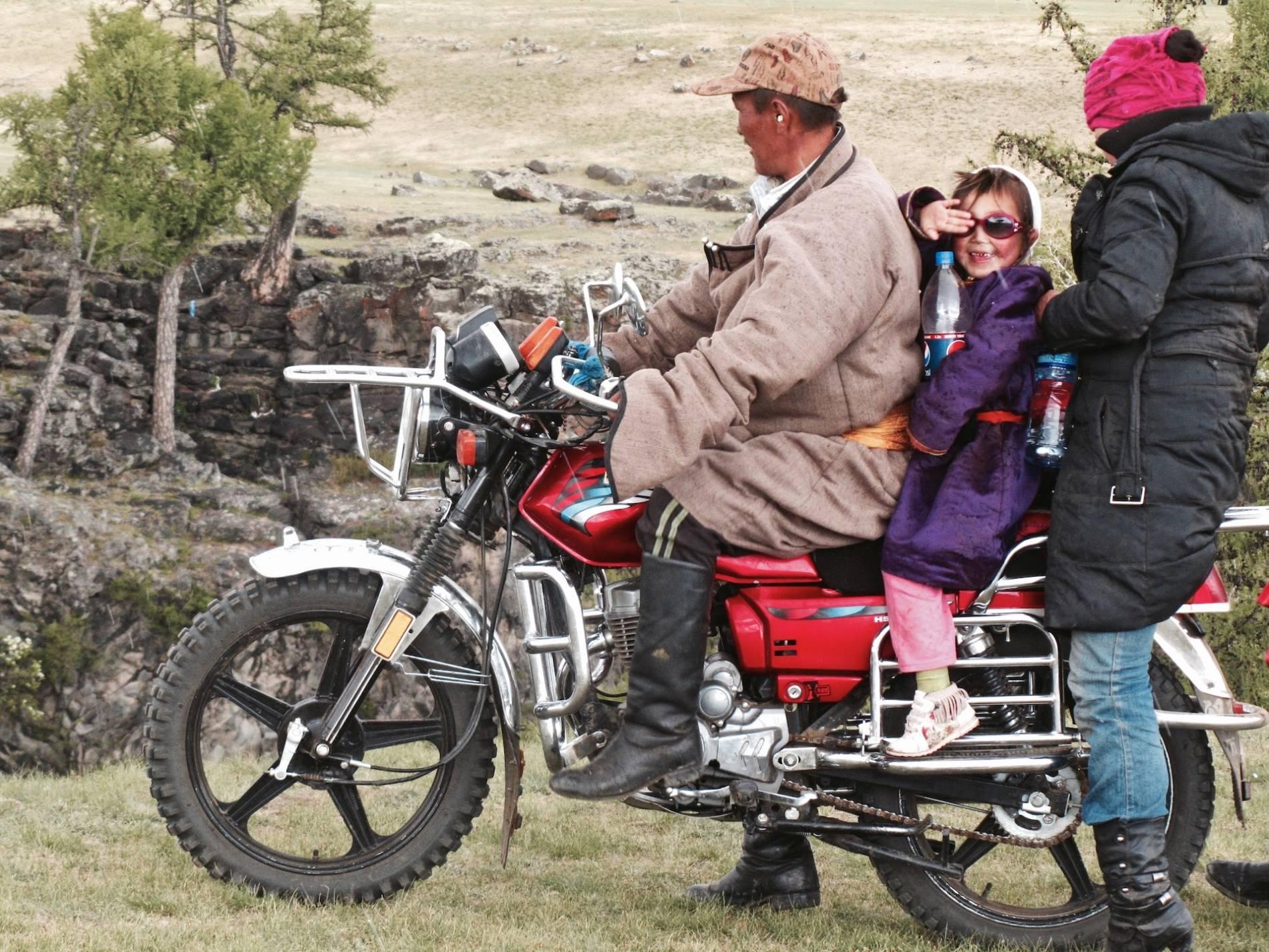 famille moto mongolie