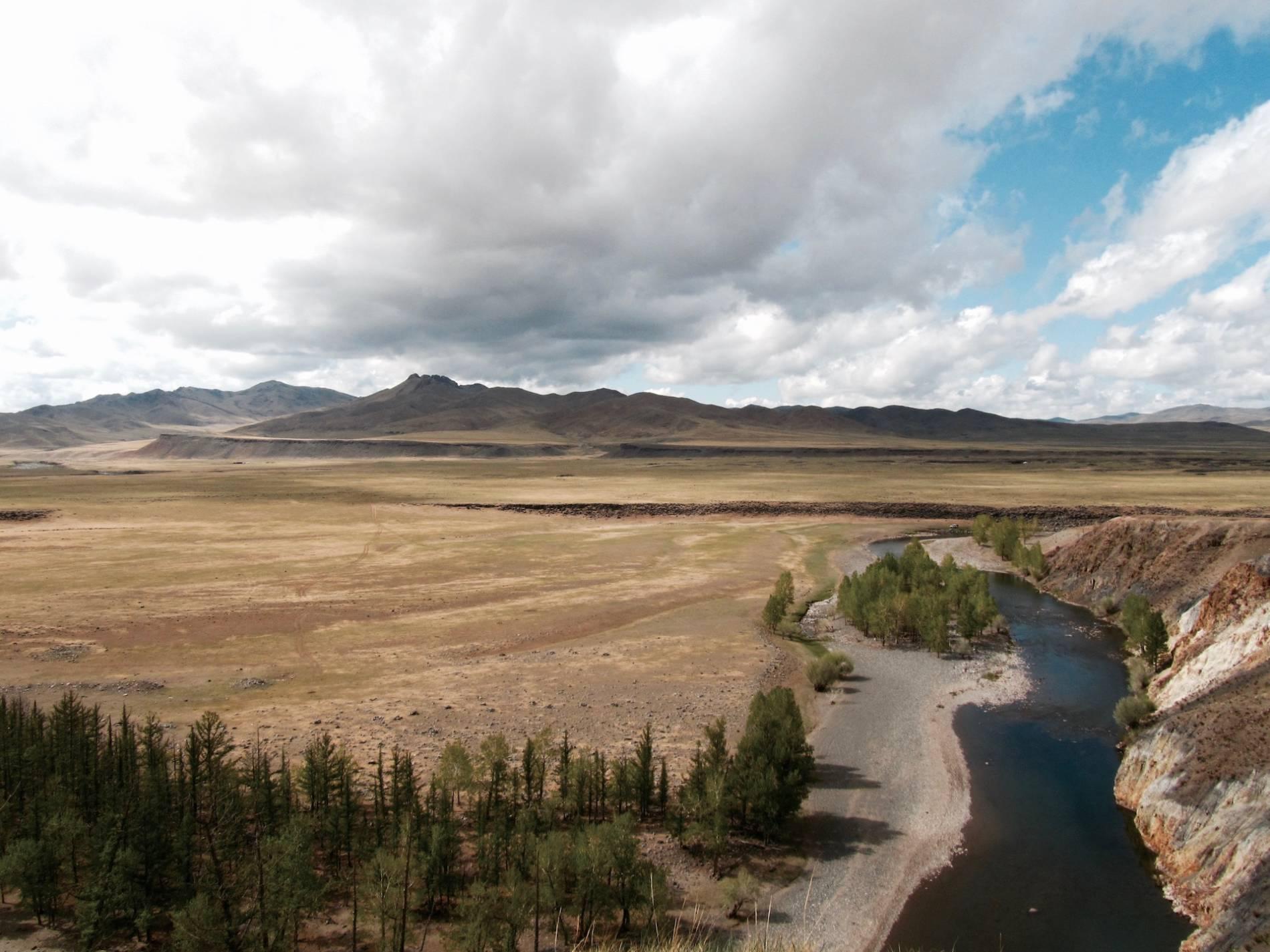 paysage rivière mongolie