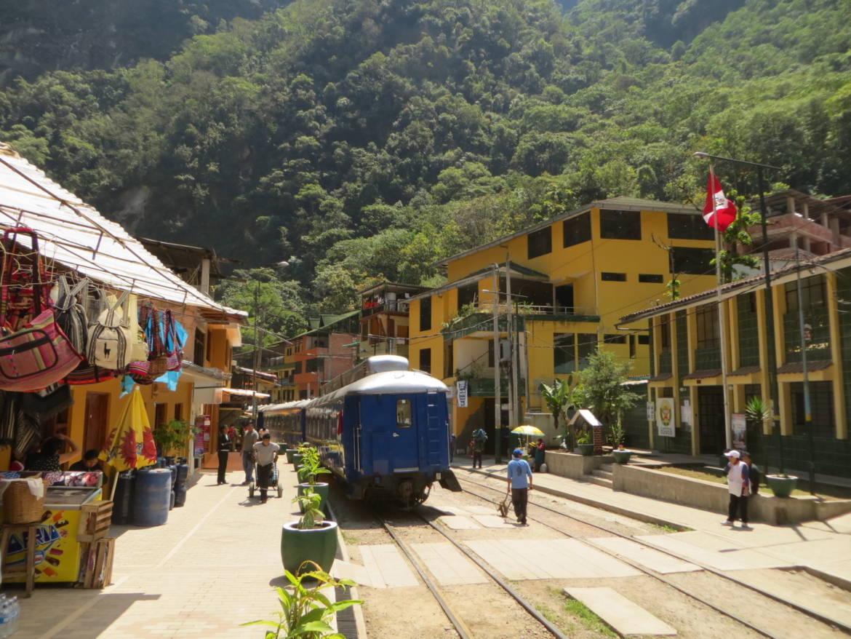aguas_calientes_perou_train