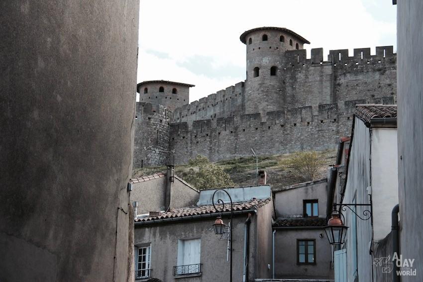 pierre cité de carcassonne
