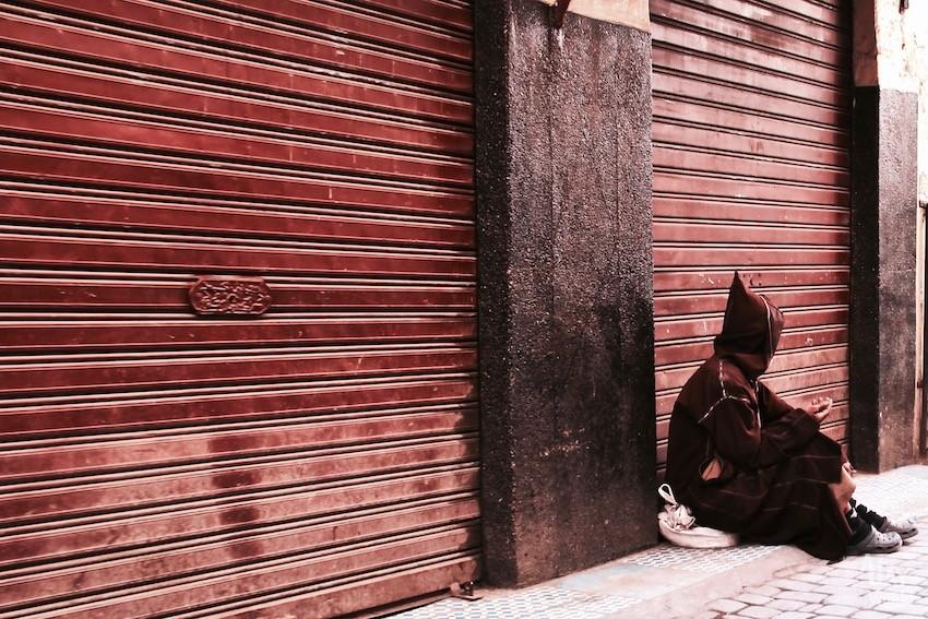homme-rue-marrakech