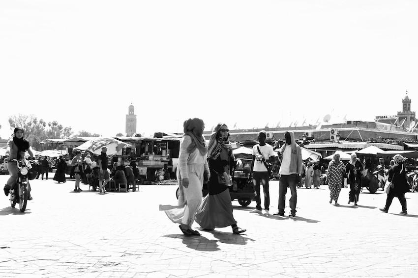 place-jemaa-el-fna-marrakech-femme