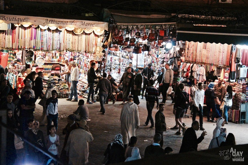 souk-by-night-marrakech
