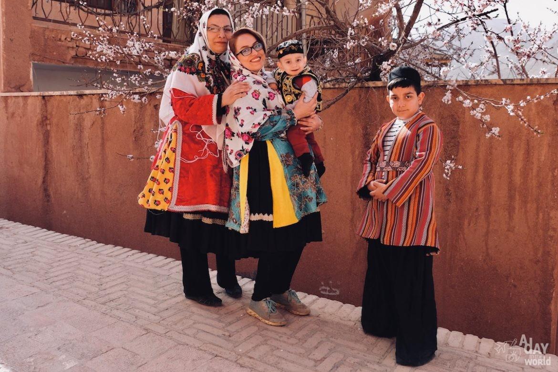 famille-iran-abyaneh-iran