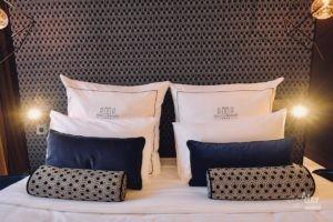 hotel-des-remparts-aigues-mortes-chambre