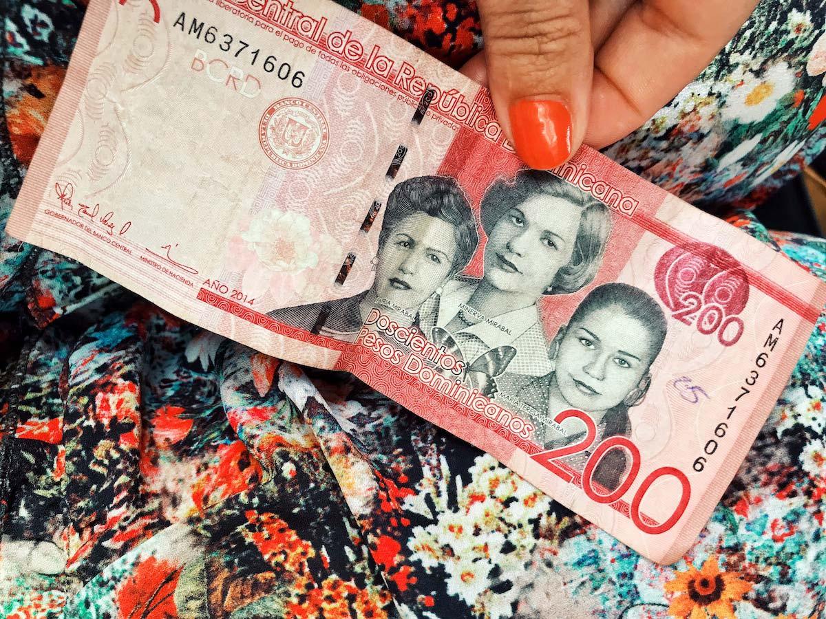 pesos-dominicanos