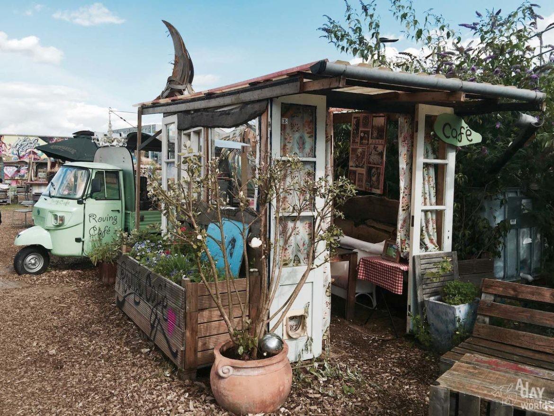 nomadic-community-garden-restaurant-londres-3