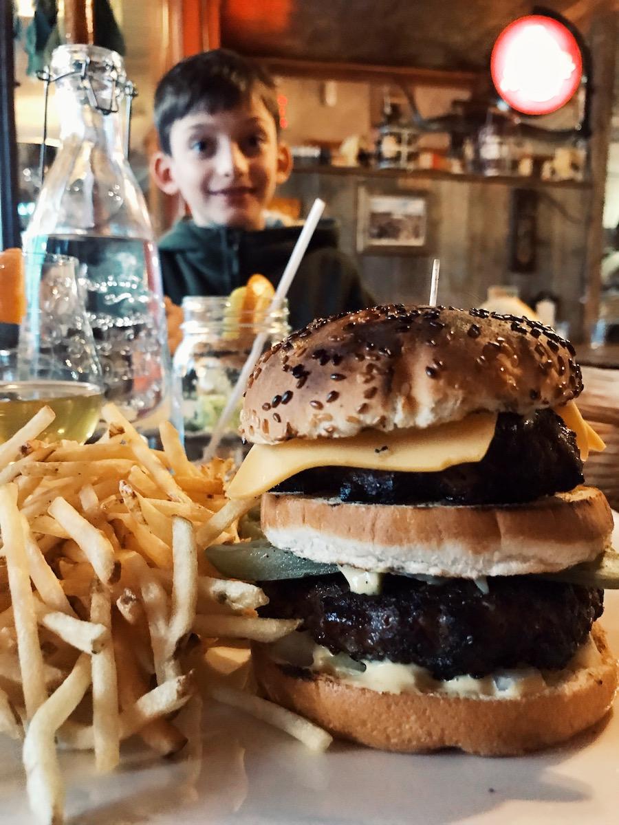grill-restaurant-la-boheme-la-malbaie